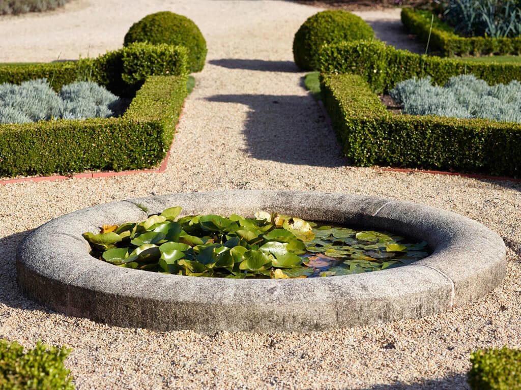 bassin jardin a la française
