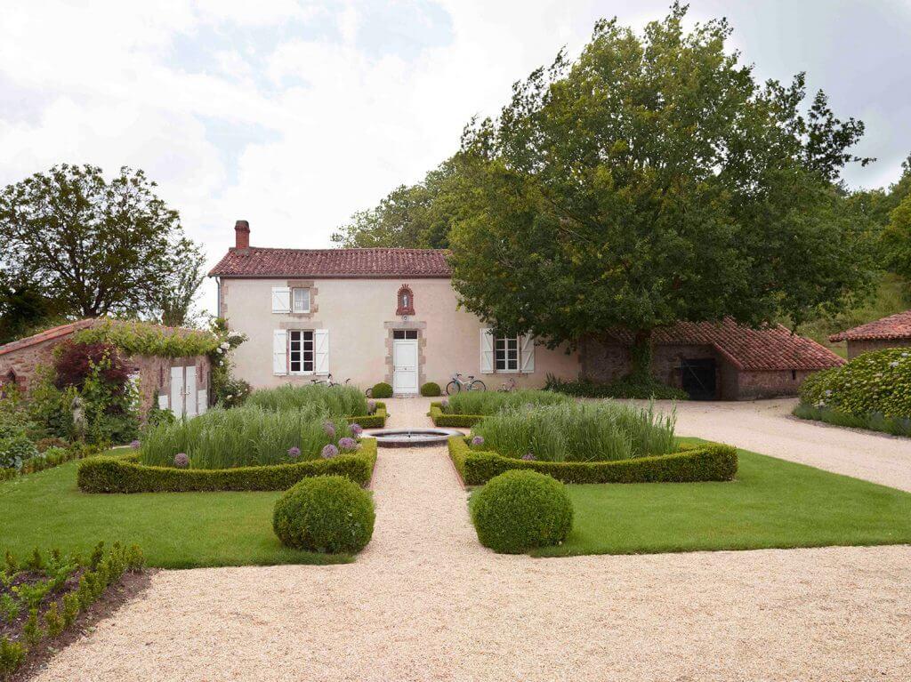 jardin a la francaise au Puy Martineau a st mars la reorthe
