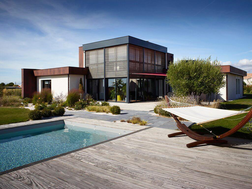 piscine et jardin contemporain