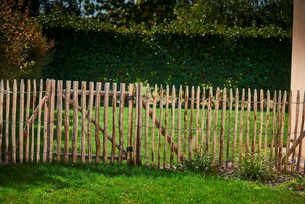Clôture bois avec ganivelle